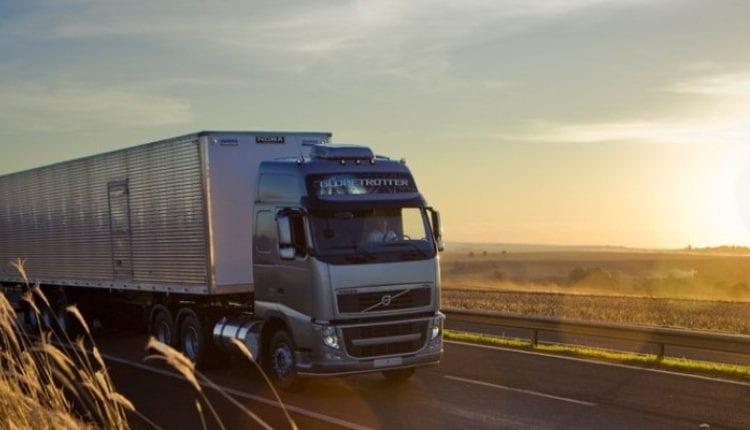 Em agosto, movimentação de cargas registra leve queda - Distribuição