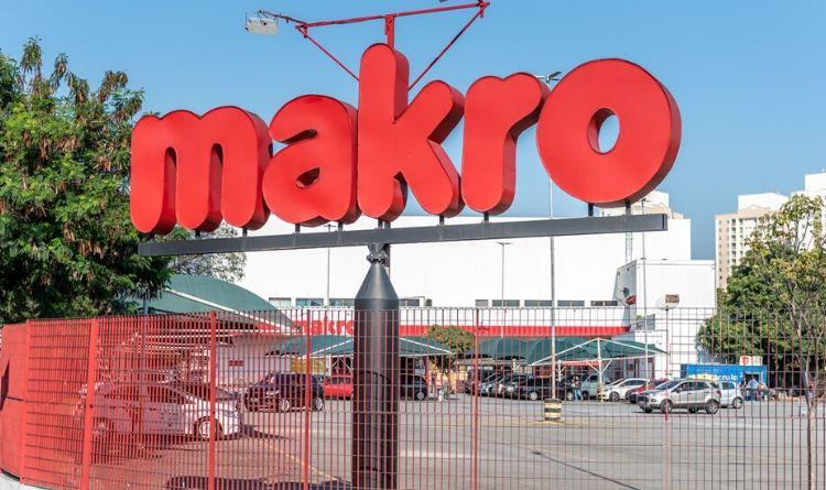 Resultado de imagem para Carrefour fecha compra de 30 lojas do Makro Brasil por R$ 1,95 bi